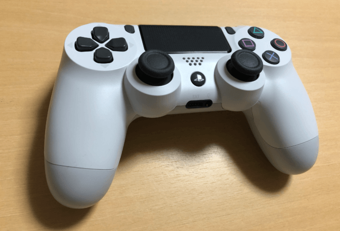 ps4-白のコントローラー