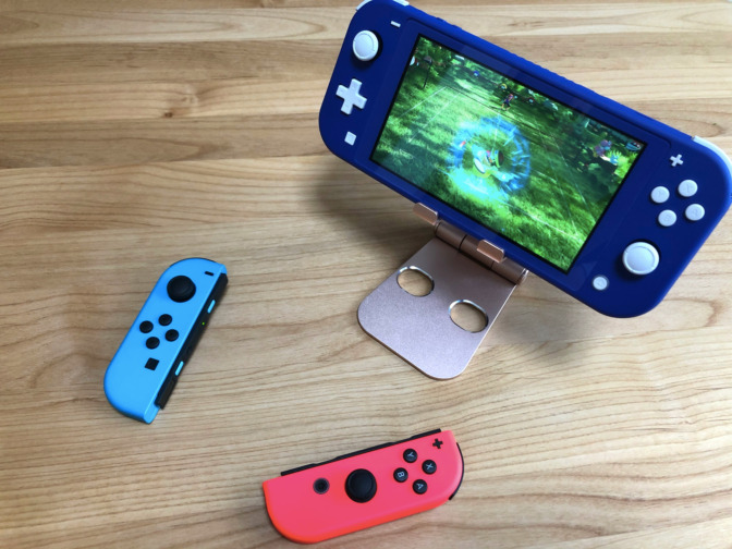 Nintendo Switchライトでジョイコンを使う